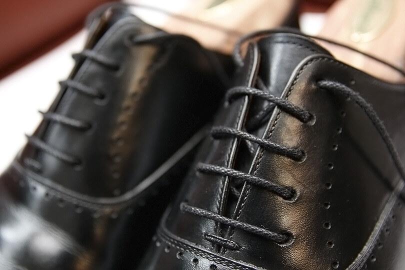 革靴の紐の結び方!ほどけない結び方や種類を紹介!