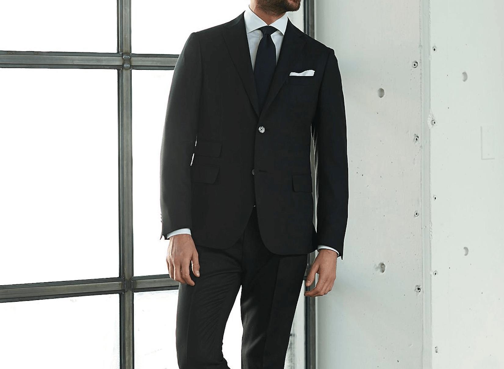 ブラックスーツでメンズに人気は?人気のブランドやおすすめのおしゃれなブラックスーツも紹介!