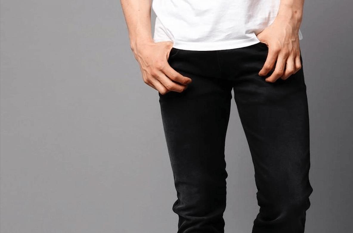 メンズに人気のブラックジーンズ